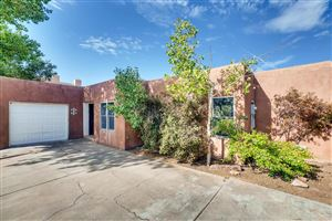 Photo of 2450 Calle Contessa, Santa Fe, NM 87505 (MLS # 201903713)