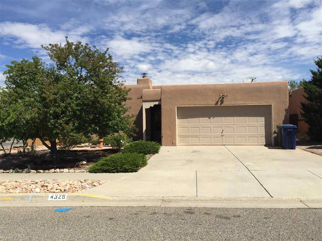 Photo for 4329 Calle Guillermo, Santa Fe, NM 87507 (MLS # 201805728)