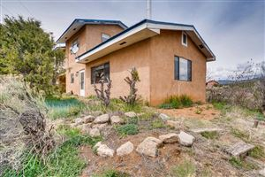 Photo of 64 Canada Village Rd, Santa Fe, NM 87505 (MLS # 201901738)