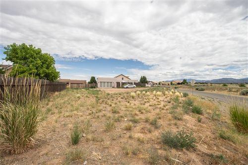 Photo of 39 Willow Back Road, Santa Fe, NM 87507 (MLS # 202002750)