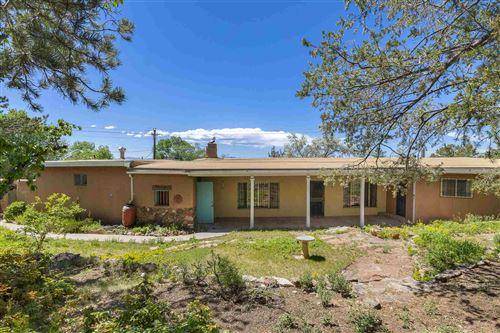 Photo of 1010 Camino San Acacio, Santa Fe, NM 87505 (MLS # 202001766)