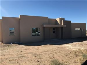 Photo of 28 Willow Back Road, Santa Fe, NM 87508 (MLS # 201903784)