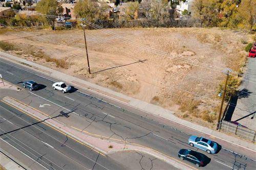 Photo of 4231 Airport Road, Santa Fe, NM 87507 (MLS # 201800787)