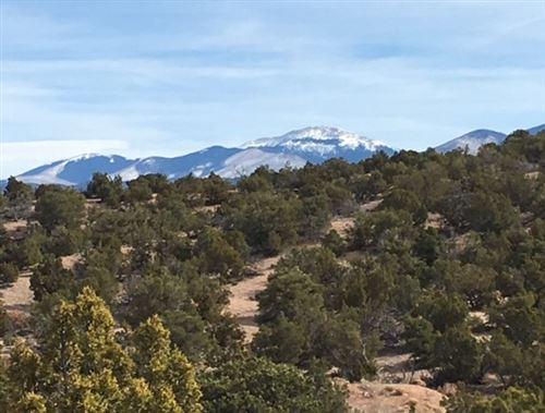 Photo of 531 Estrada Redondo, Santa Fe, NM 87506 (MLS # 705805)