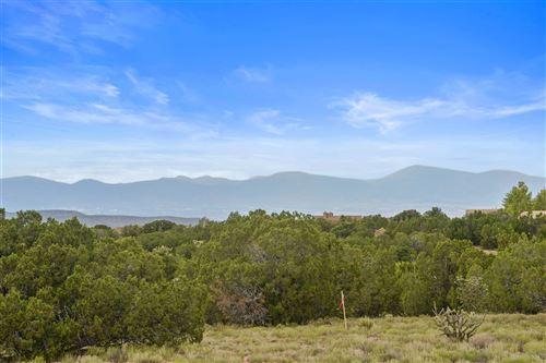 Photo of 16 Black Mesa, Lot 723, Santa Fe, NM 87506 (MLS # 202002910)