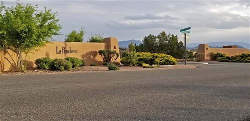 Photo of 8 Camino Sabanero, Santa Fe, NM 87508 (MLS # 201901914)