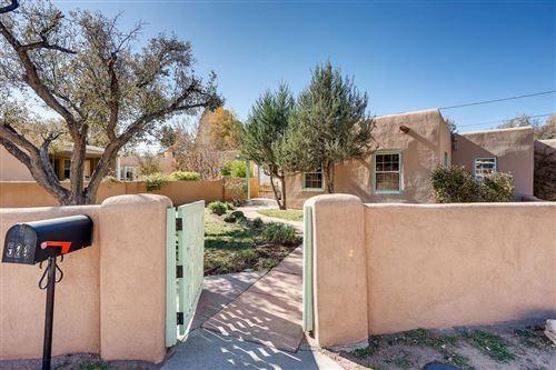Photo of 524 Calle Corvo, Santa Fe, NM 87501 (MLS # 201904920)