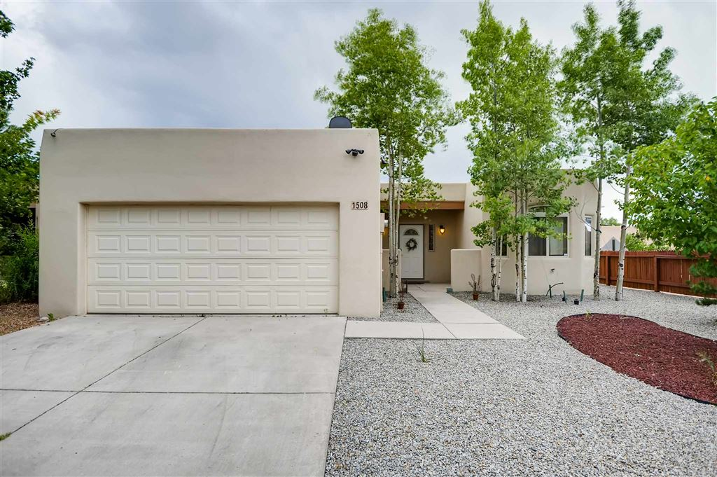 Photo for 1508 Kachina Ridge Drive, Santa Fe, NM 87507-5074 (MLS # 201903926)