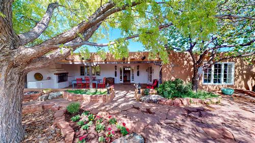 Photo of 11 Bara del Oro, Santa Fe, NM 87508 (MLS # 201900939)