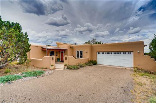 Photo of 8 Balsa Road, Santa Fe, NM 87508 (MLS # 202002959)