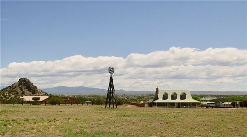 Photo of 39 Rancho Alegre, Santa Fe, NM 87501 (MLS # 202001971)