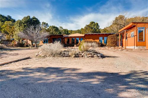 Photo of 5 Buffalo Canyon, Santa Fe, NM 87505 (MLS # 201900982)