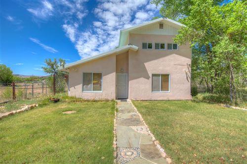 Photo of 333 County Road 84, Santa Fe, NM 87506 (MLS # 202001986)