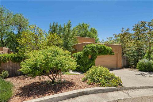Photo of 1322 Cibola Circle, Santa Fe, NM 87501 (MLS # 202001997)