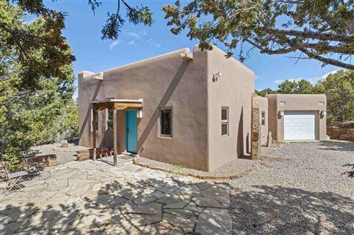 Photo of 1207 Calle Luna, Santa Fe, NM 87501 (MLS # 202000998)