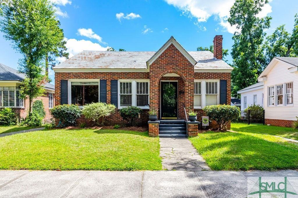 513 E 50th Street, Savannah, GA 31405 - #: 229263