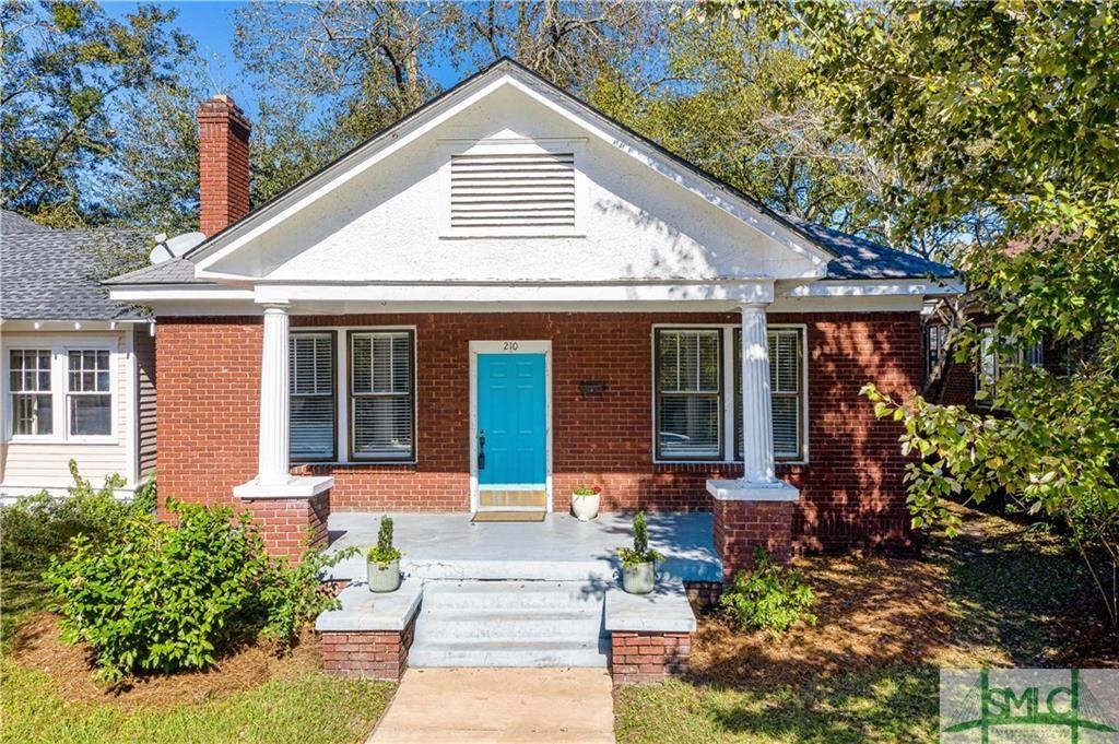 210 E 51st Street, Savannah, GA 31405 - #: 215677