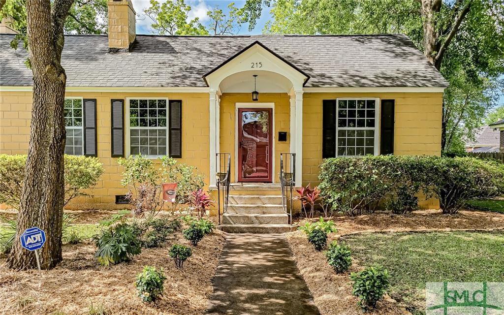 215 E 53rd Street, Savannah, GA 31405 - #: 223801