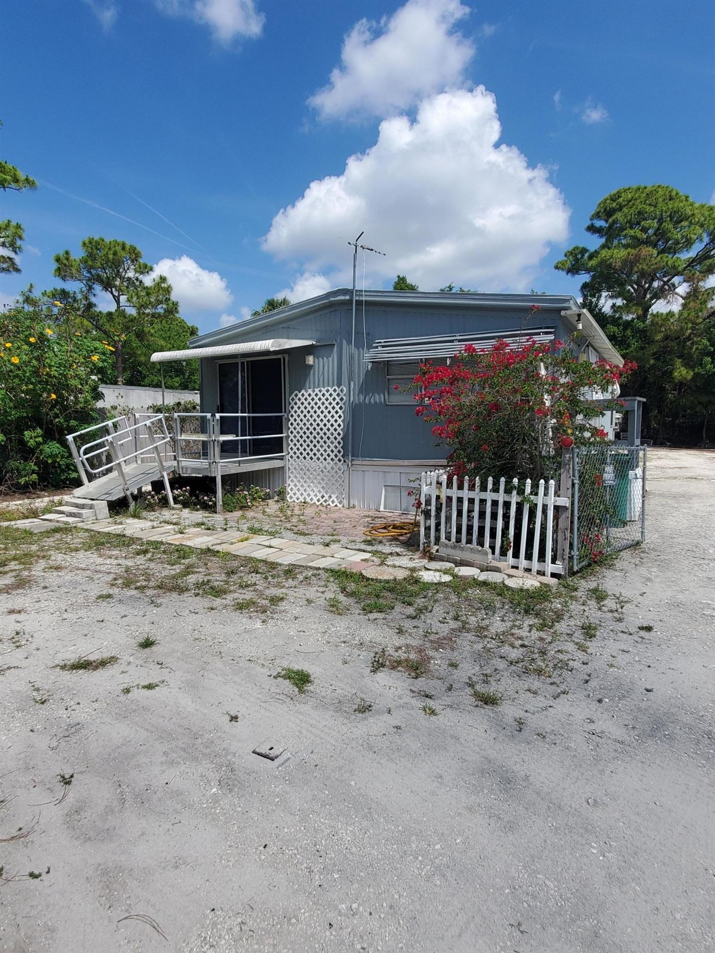 313 Booth Street, Cocoa, FL 32927 - #: 896052