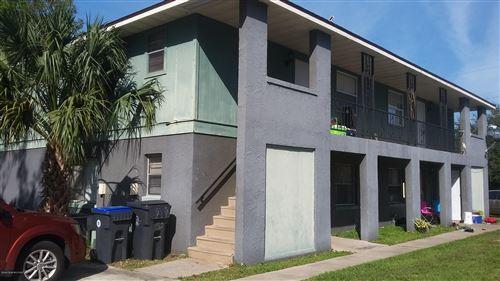 Photo of 206 N Grannis Avenue, Titusville, FL 32796 (MLS # 886117)