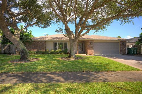 Photo of 632 N Hedgecock Drive, Satellite Beach, FL 32937 (MLS # 886133)