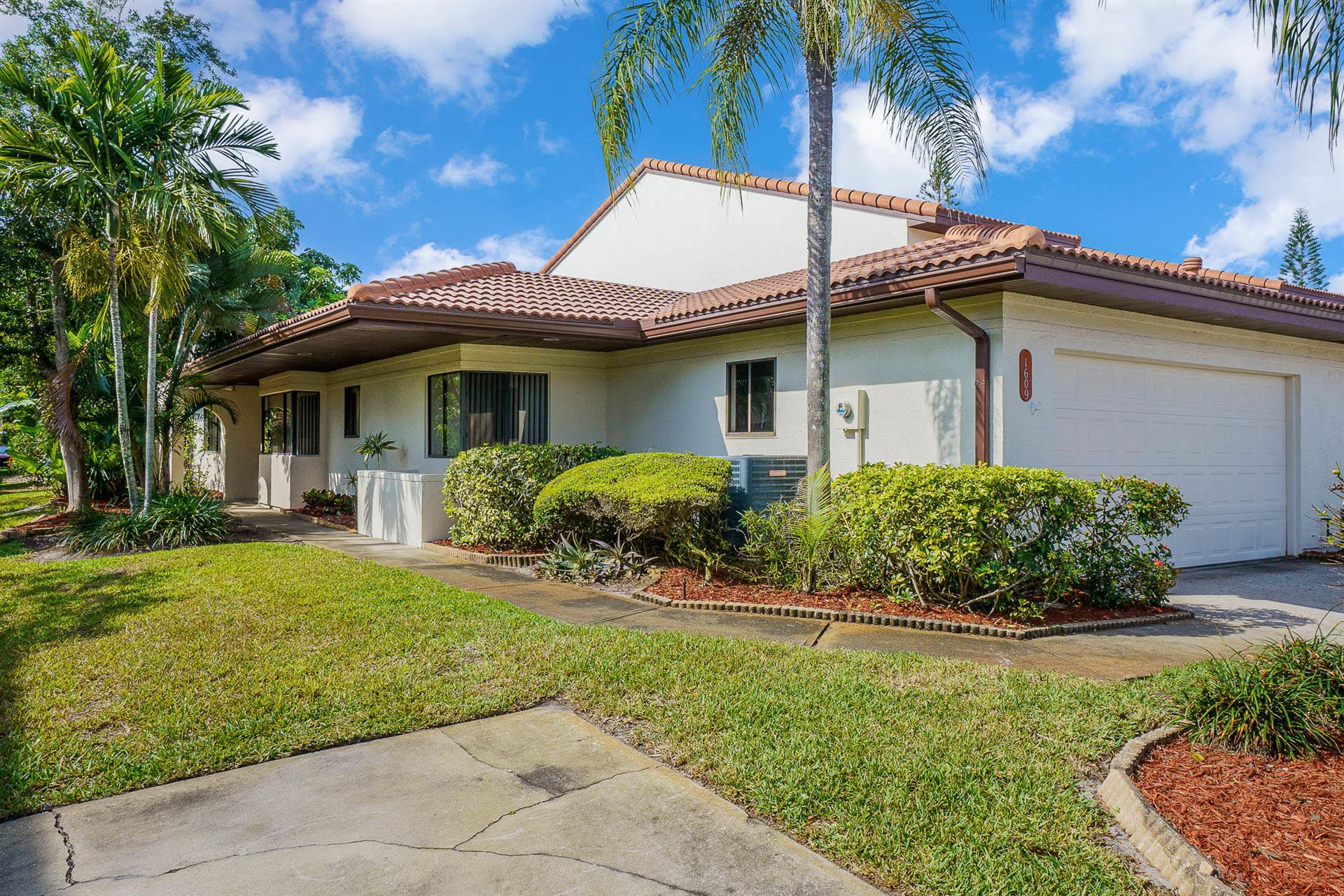 1609 Parkside Place #1609, Indian Harbour Beach, FL 32937 - #: 902140
