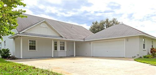 Photo of 702 Media Terrace, Sebastian, FL 32958 (MLS # 867173)