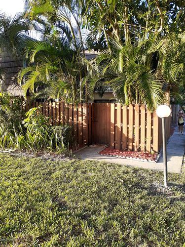 Photo of 3915 Vista Oaks Circle, Palm Bay, FL 32905 (MLS # 891177)