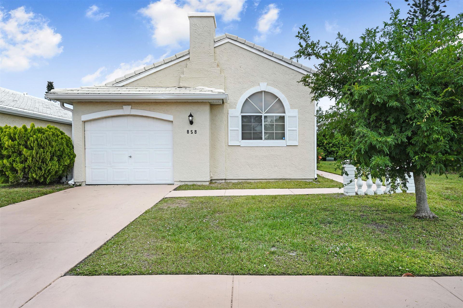 858 Wateroak Drive, Palm Bay, FL 32905 - #: 902179