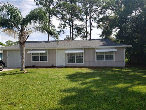 Photo of 355 Easy Street, Sebastian, FL 32958 (MLS # 886185)