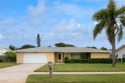 Photo of 302 Sherwood Avenue, Satellite Beach, FL 32937 (MLS # 886200)