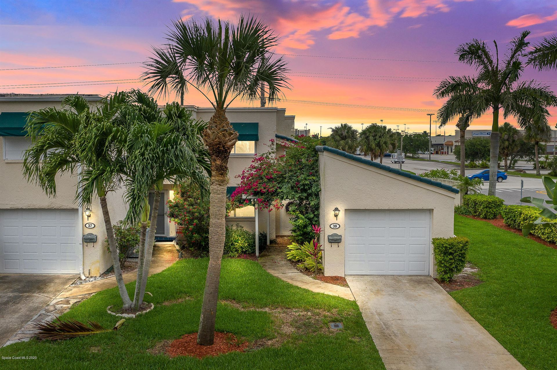 39 Emerald Court, Satellite Beach, FL 32937 - #: 877235