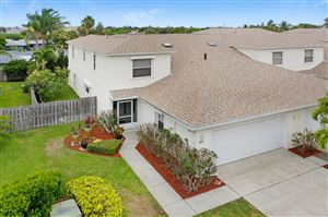 Photo of 212 Thatch Palm Court, Indian Harbour Beach, FL 32937 (MLS # 848401)