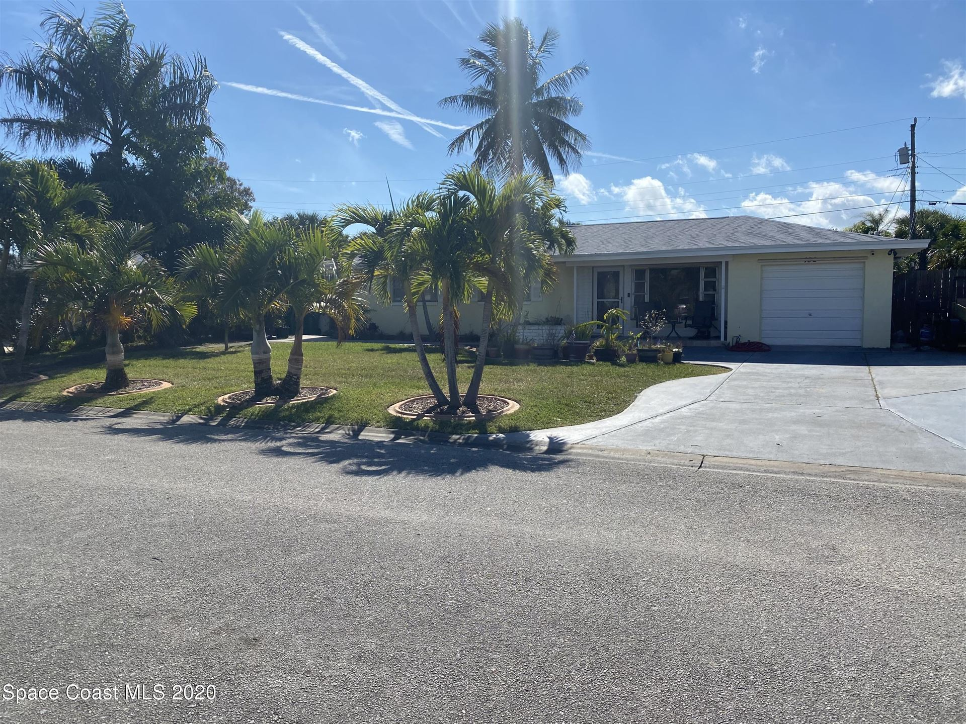 132 E Arlington Street, Satellite Beach, FL 32937 - #: 895441