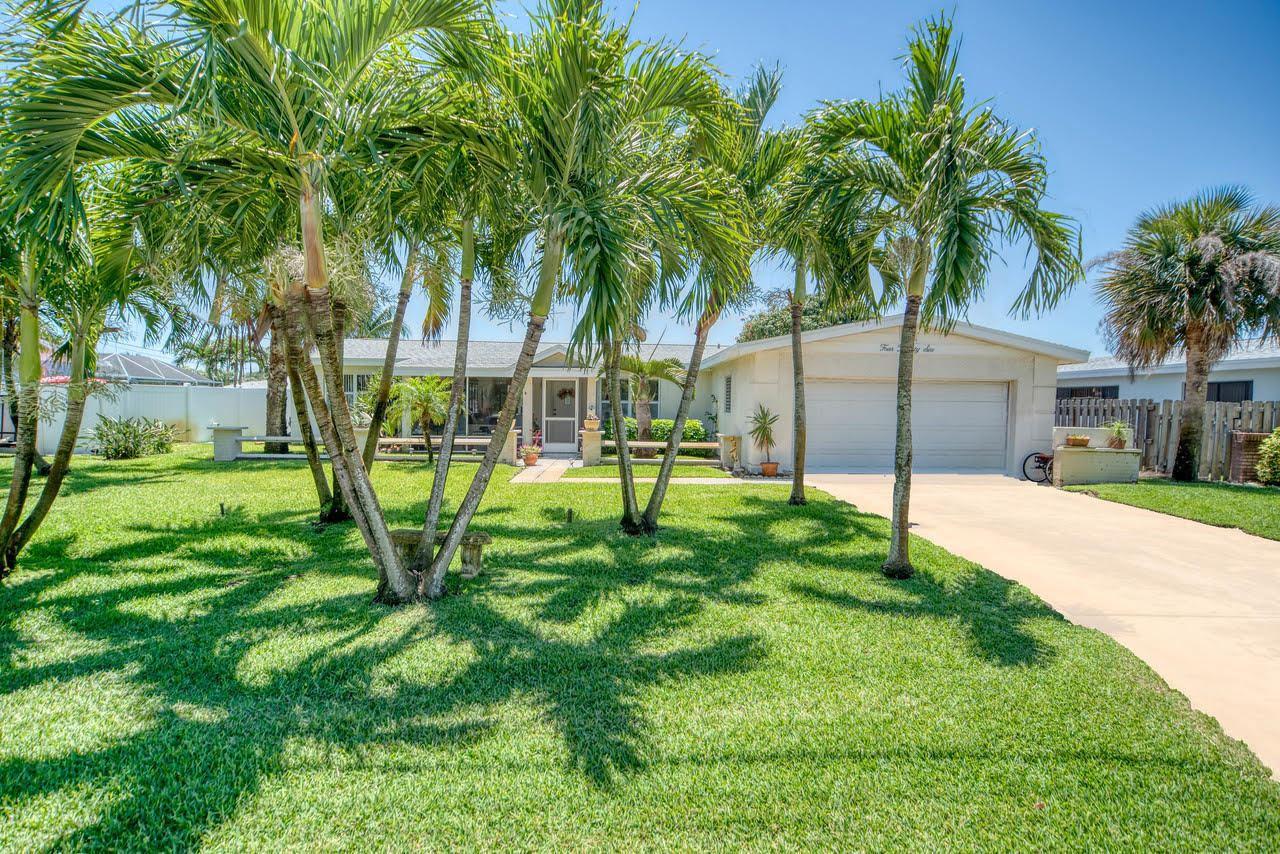 426 S Neptune Drive, Satellite Beach, FL 32937 - #: 904557