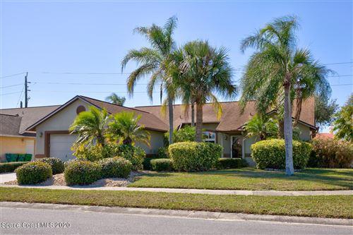 Photo of 335 Island Oaks Place, Merritt Island, FL 32953 (MLS # 895725)