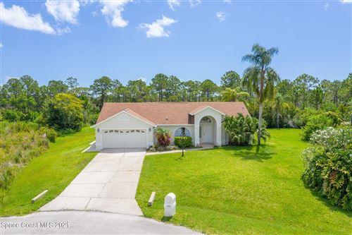 Photo of 1681 Country Cove Circle, Malabar, FL 32950 (MLS # 910770)