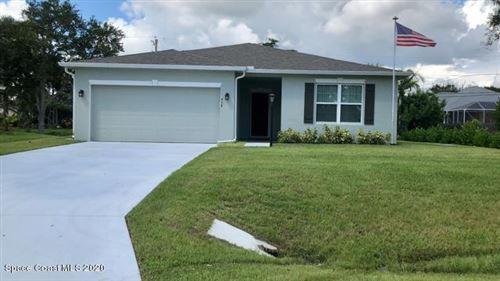 Photo of 438 Pine Street, Sebastian, FL 32958 (MLS # 885833)