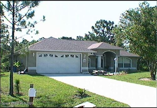 Photo of 1174 Laconia Street, Sebastian, FL 32958 (MLS # 897934)