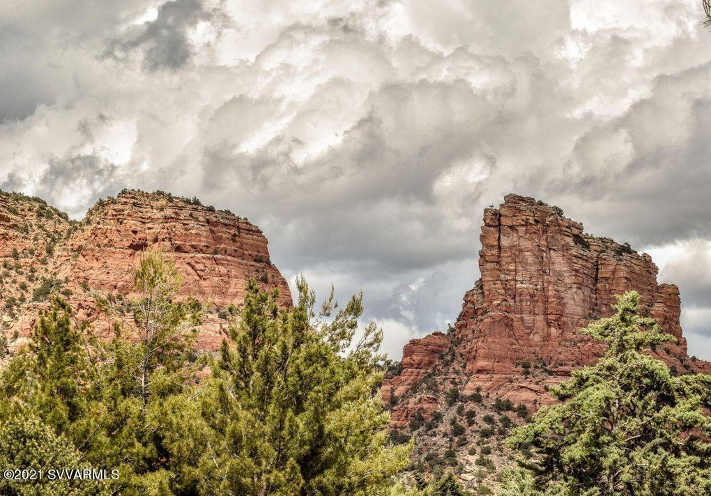 Photo of 10 Montazona Tr, Sedona, AZ 86351 (MLS # 527067)