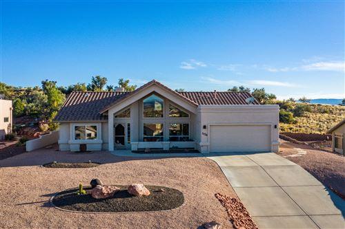 Photo of 1176 Verde Santa Fe Pkwy, Cornville, AZ 86325 (MLS # 524719)