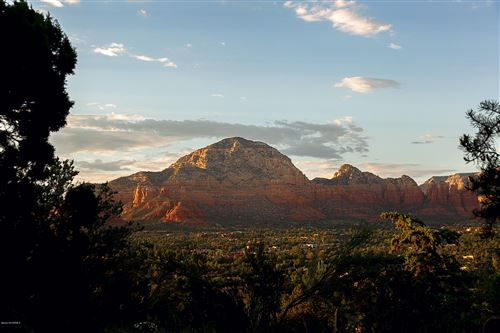 Photo of 3145 Calle Del Montana, Sedona, AZ 86336 (MLS # 523914)