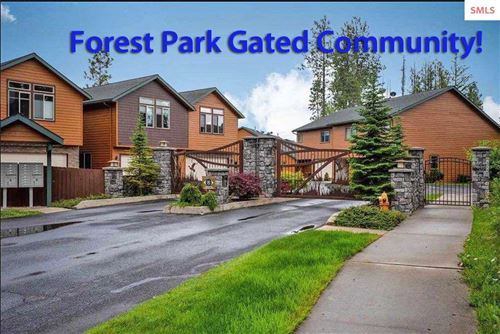 Photo of 1028 Park Ave, Sandpoint, ID 83864 (MLS # 20210823)