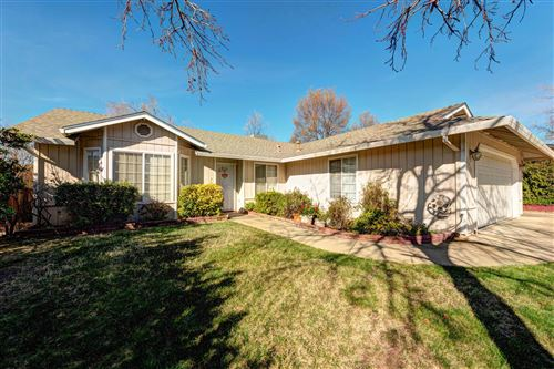 Photo of 1466 Rose Tree Ln, Redding, CA 96003 (MLS # 20-6015)