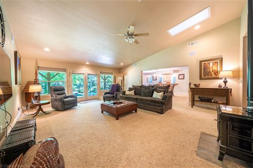 Photo of 21826 Papoose Dr, Palo Cedro, CA 96073 (MLS # 21-2057)