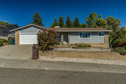 Photo of 3753 Oro St, Redding, CA 96001 (MLS # 20-5060)