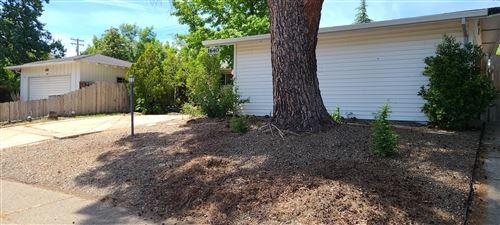 Photo of 1640 Wisconsin Ave, Redding, CA 96001 (MLS # 21-2060)
