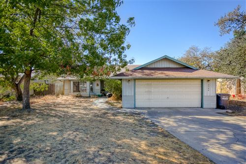 Photo of 3744 Wolverine Dr, Redding, CA 96001 (MLS # 20-5096)