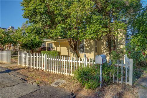 Photo of 1824 Grace Ave, Redding, CA 96001 (MLS # 21-2102)