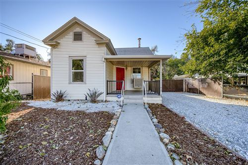 Photo of 2756 Henderson Rd, Redding, CA 96002 (MLS # 20-5107)